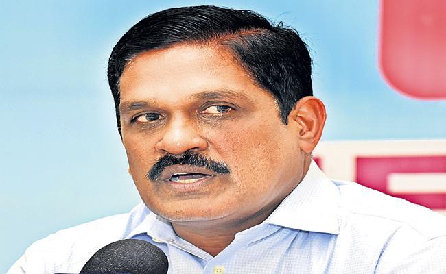 Repairs to roads at a cost of Rs 2205 crore in Andhra Pradesh - Sakshi