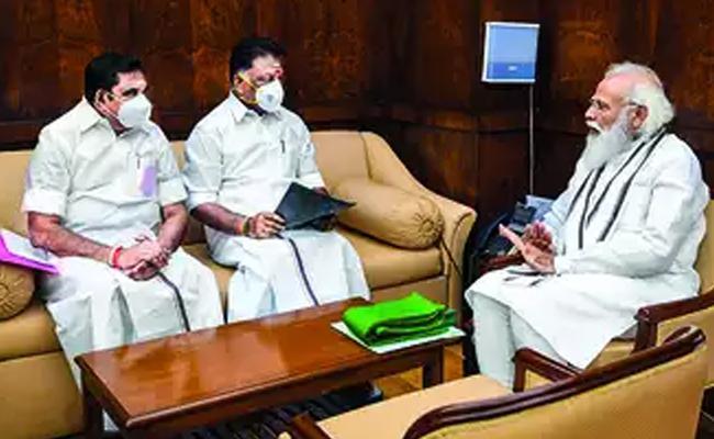 Edappadi And Panneerselvam Meeted Modi And May Discussed Sasikala - Sakshi