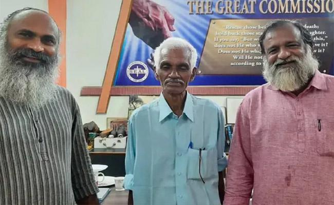 Kerala Man Feared Dead in 1976 Indian Airlines Crash Turns up Alive - Sakshi