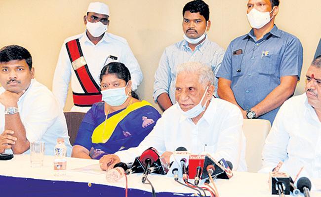 Ummareddy Venkateswarlu Slams On Chandrababu Over Visakhapatnam Development - Sakshi