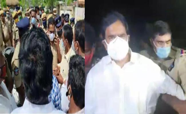 Devineni Uma Maheswara Rao Shifted To Nandivada Police Station - Sakshi