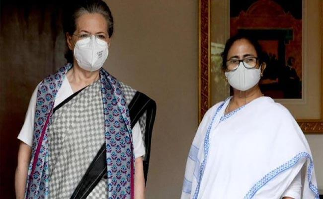 Mamata Banerjee Meets Congress president Sonia Gandhi In Delhi - Sakshi