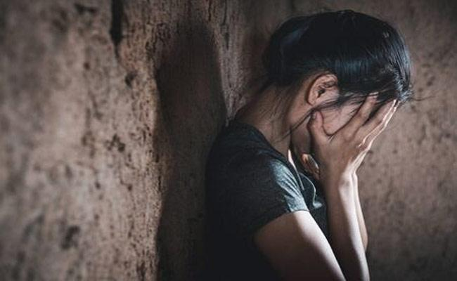 Girl Molestation In Warangal - Sakshi