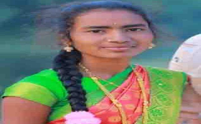 Husband Assassinate His Wife In Adilabad - Sakshi
