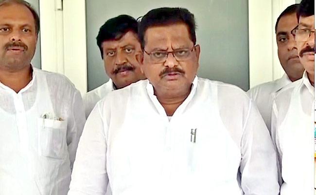 Sriranganath Raju Said 30000 Acres Has Been Collected For Poor Houses - Sakshi