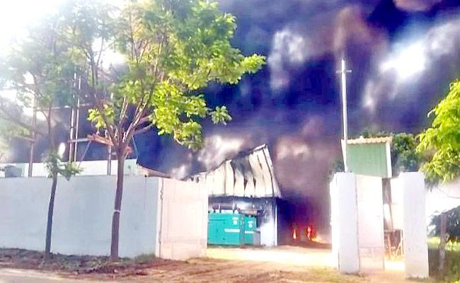Chittoor Kuppam Massive Fire Accident At Milk Production Center - Sakshi