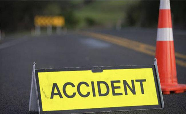 Srikakulam: Mother Deceased In Road Accident Infront Of Her Son Narasannapeta - Sakshi