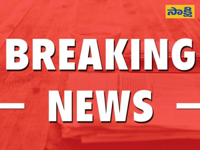 Israel threatens Gaza with ground attack amid air strikes - Sakshi
