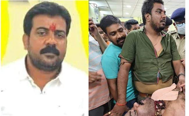 Gang Attack On Kathihar Mayor After His Take Last Breath - Sakshi