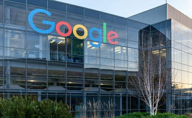 Google Removed Over One Lakh Content After Receiving 71148 Complaints In India - Sakshi