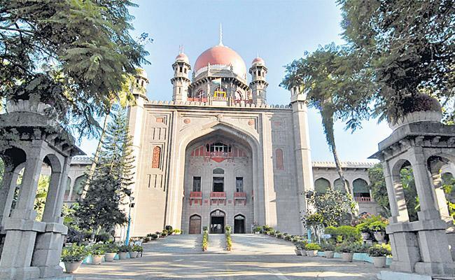 Two PILs Filled At Telangana High Court Over Dalita Bandhu Pilate Project - Sakshi