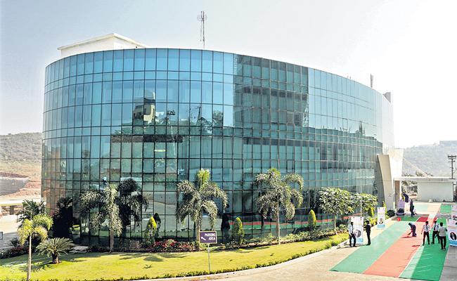 Visaka IT Hub: Various IT Companies Interested To Investment In Vizag - Sakshi