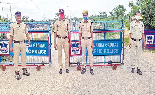 Telangana Cops Step Up Security For Jurala Project To Pulichintala - Sakshi