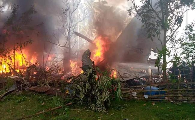 Philippines Plane Crash 17 Deceased And Rescue Continues - Sakshi