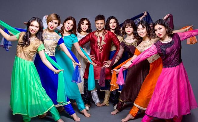 Young Man From Anakapalli Famous As ADance Master In China - Sakshi