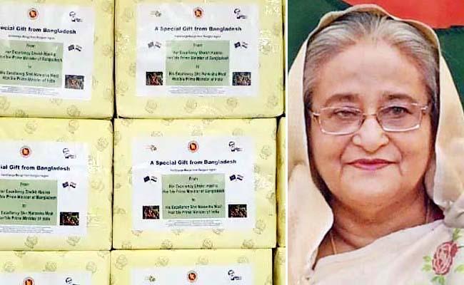 Bangladesh PM Sheikh Hasina Gifts 2600 kg Mangoes to India - Sakshi