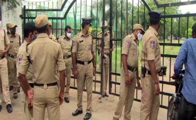HCA Press Meet Conflict: High Tension At Gymkhana Grounds - Sakshi