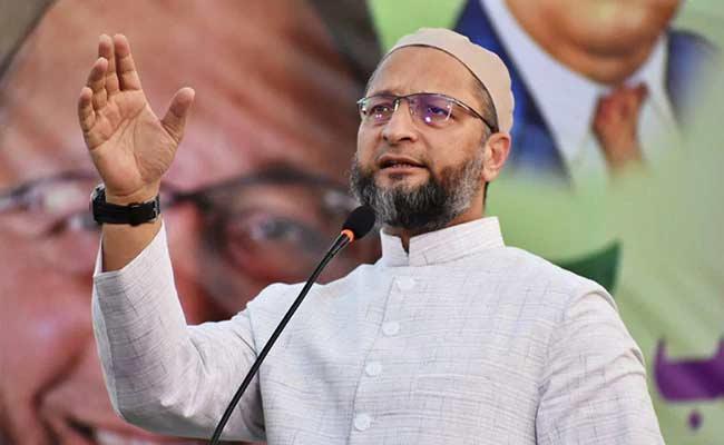 AIMIM MP Asaduddin Owaisi Slams On RSS Chief Mohan Bhagwat - Sakshi