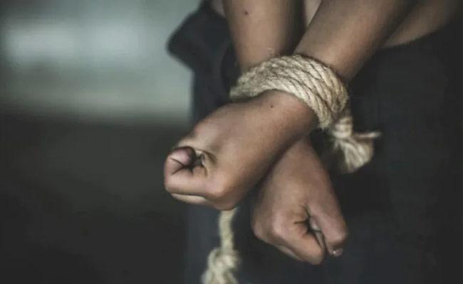 Boy Kidnap Tragedy In Karnataka - Sakshi