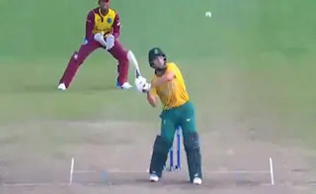 WI Vs SA: AB De Villiers Dale Steyn Reaction On Umpiring Shocker T20 - Sakshi