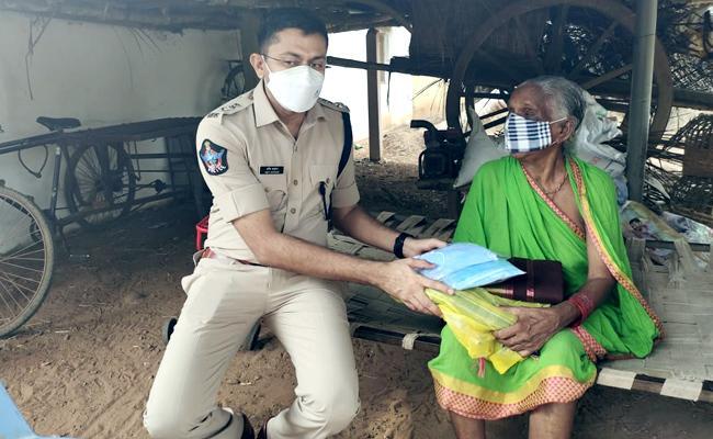 SP Aware Of The Welfare Of Maoist Families In Srikakulam - Sakshi