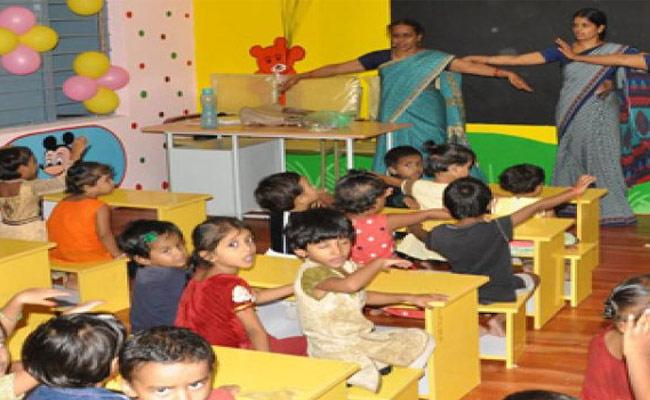 Ap Government Started English Medium Started in Anganwadi - Sakshi