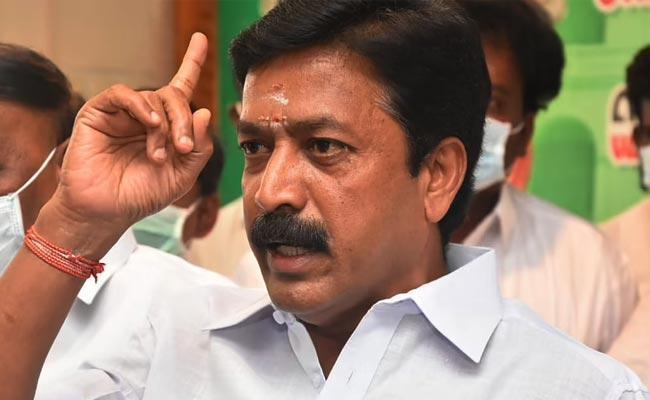 Words War Between BJP And AIADMK Leaders - Sakshi