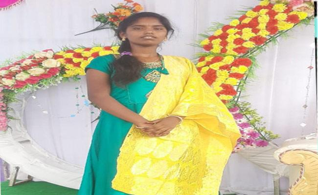 Girl Self Distruction In Mahabubnagar District - Sakshi