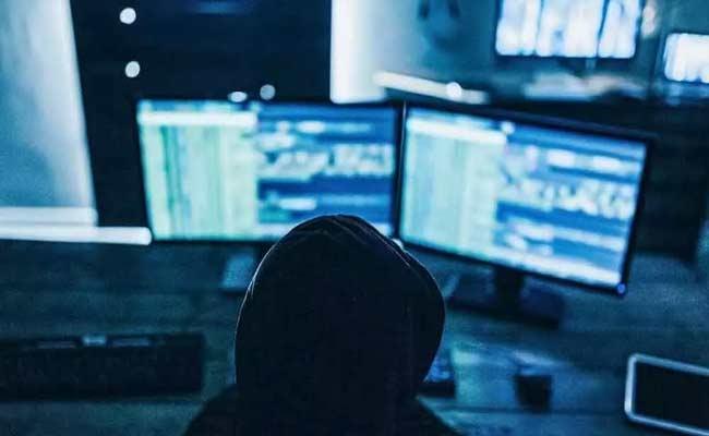 Cyber Crimes Increasing In Hyderabad - Sakshi