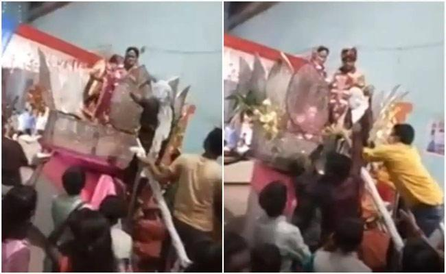 Grooms Mother Gets on Wedding Stage And Beats Her Son With Slippers In Uttar Pradesh - Sakshi