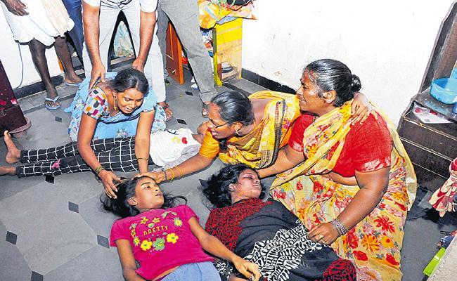 Tragedy In Yadadri Bhuvanagiri Disrtict - Sakshi