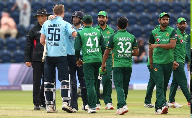 Trolls On Pakistan Team After Losing Match To England 1st ODI Viral - Sakshi