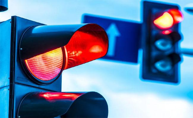 China: Woman Rents Ex Boyfriend Car Violates Rules Red Light 49 Times 2 Days For Revenge - Sakshi