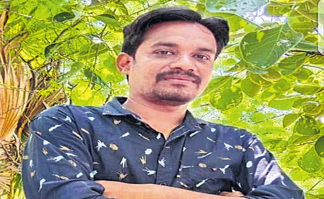 Youngman Commits Suicide For Not Getting Double Bedroom Houses - Sakshi