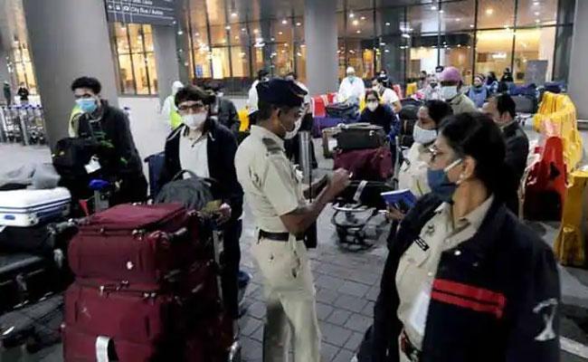 Tamil Nadu Govt Imposes Restrictions RT PCR Test Mandatory Due To Covid - Sakshi