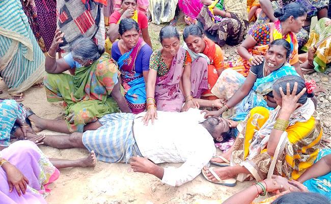 52year Old Burnt Alive As Short Circuit In Suryapet - Sakshi