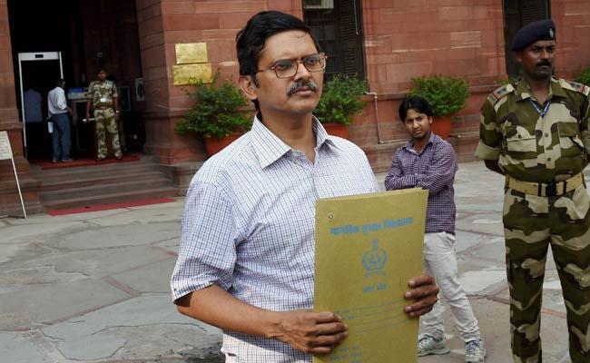 UP Election: Ex Cop Amitabh Thakur To Contest Yogi Adityanath - Sakshi