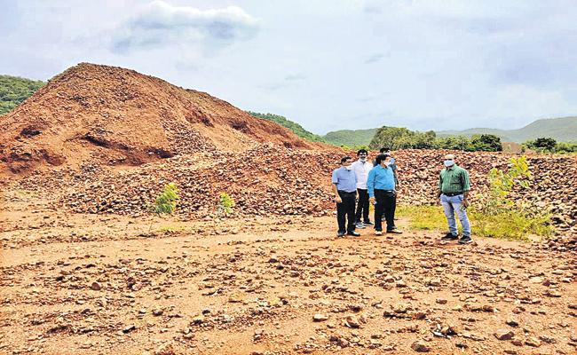 Vigilance inspections in laterite mines - Sakshi