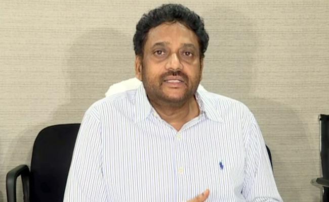 Environment Secretary Vijayakumar Says Not Targeting Amara Raja Batteries - Sakshi