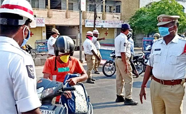 HYD: Vehicle Could Be Seized Even If There Is One Unpaid Challan - Sakshi