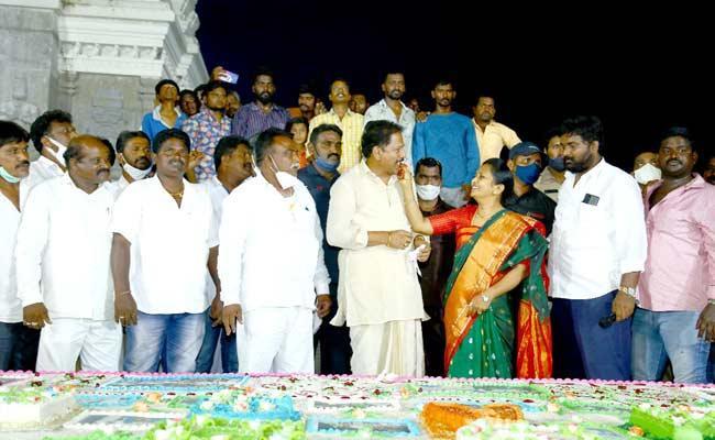 Bapatla Centre Bhavapuri District Will Be Emerged Says Kona Raghupati - Sakshi