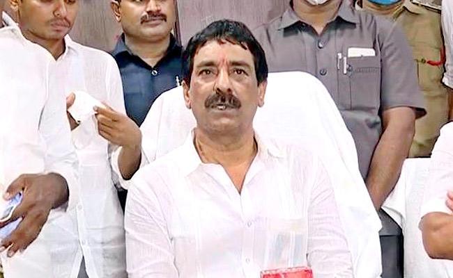 Mallikarjuna Reddy Takes Charge APSRTC Chairman In Vijayawada - Sakshi