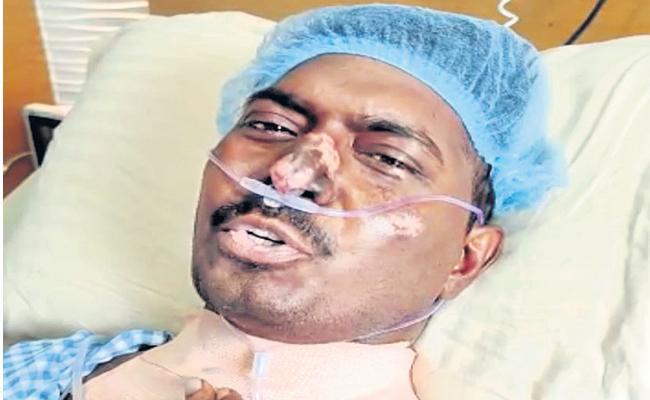 Phc Doctor Thanks To Ap Cm Ys Jagan For Helping His Treatment - Sakshi