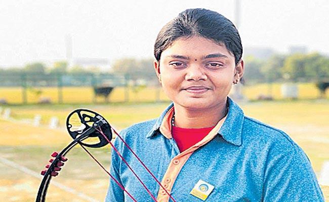Vennam Jyothi Surekha To Participate World Senior Archery Championship - Sakshi