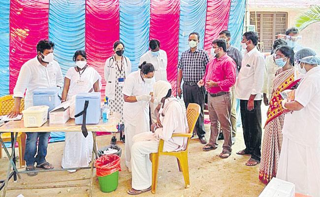 Vaccinate 100 Percentage Who Are Eligible In Sircilla Rajanna Peta - Sakshi