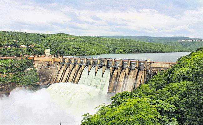 Water Flow Reduced Krishna Godavari River - Sakshi