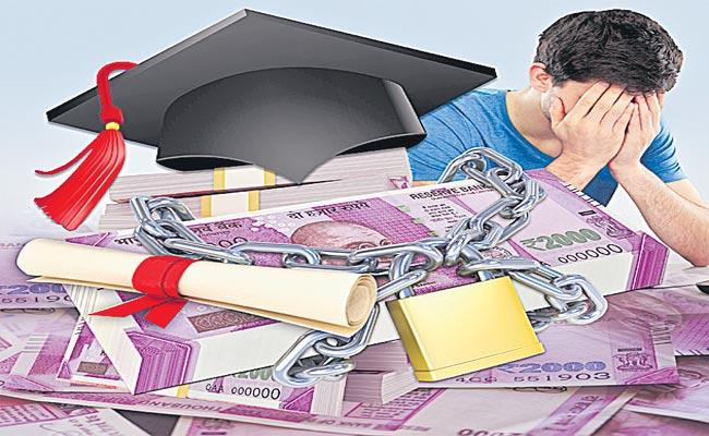 Telangana: Students Struggle With Arrears Of Fee Reimbursement - Sakshi