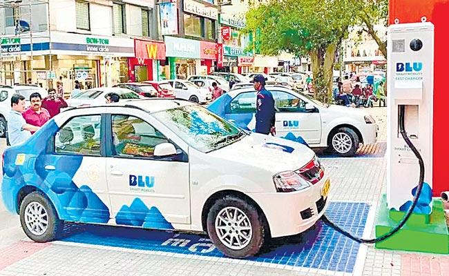 Jio-bp partners with BluSmart to set up EV charging infra in India - Sakshi