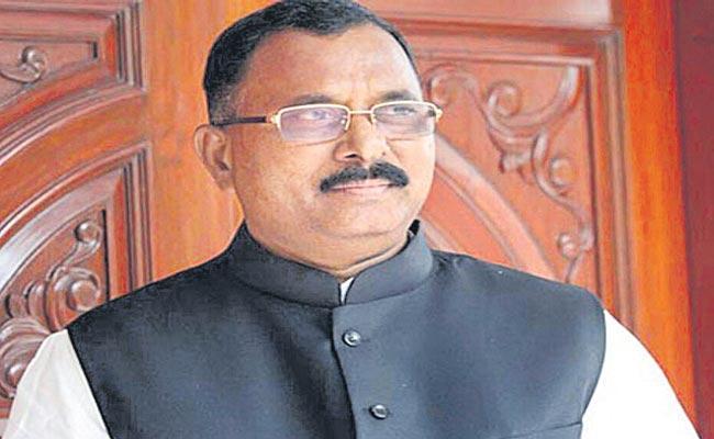 Mallu Ravi Comments On TRS Government - Sakshi