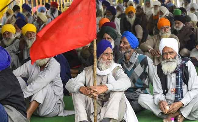 NHRC Issues Notice To Delhi Rajasthan Central Governmernt Over Former Protest In New Delhi - Sakshi